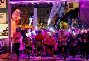 NIGHT RUN v Plzni se stal kořistí Richarda Jarošíka a Karly Calori